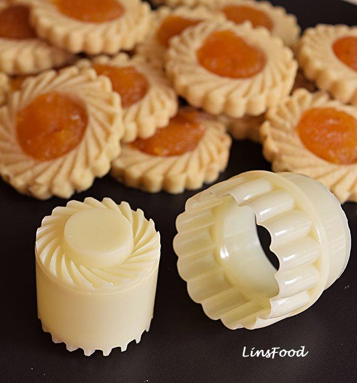 pineapple tart cutters