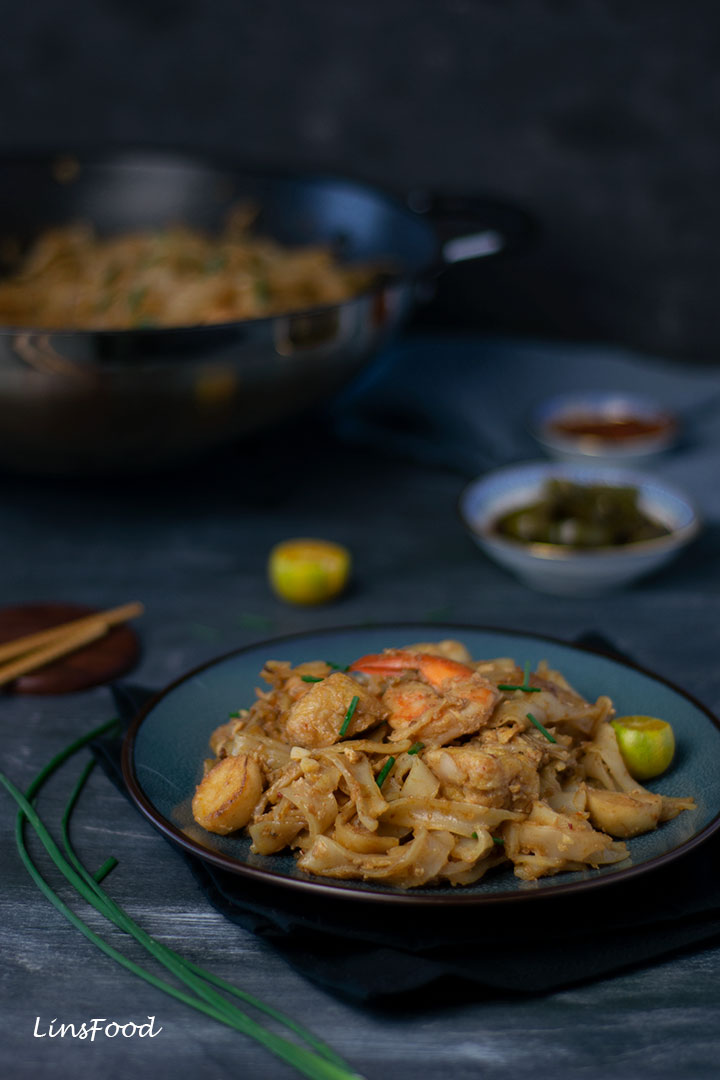Char Kway Teow Recipe on a blue plate