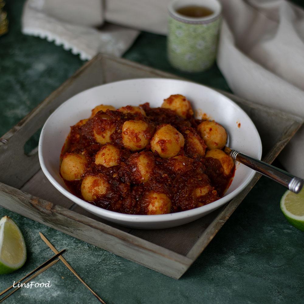 fishball sambal in white bowl